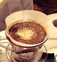 コーヒーの淹れ方 仕上げ【1】 (5)上下を繰り返す